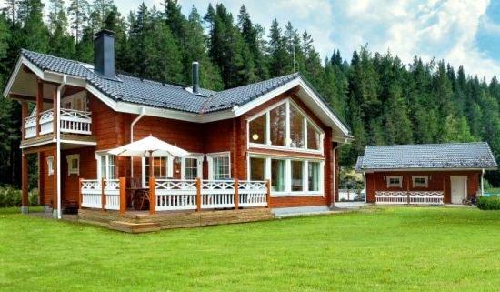 Målar du ditt hus med lasyr framhäver du träets naturliga struktur 8438f24901b0a